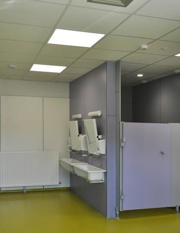 Photo intérieure sanitaires bloc mixte après réhabilitation